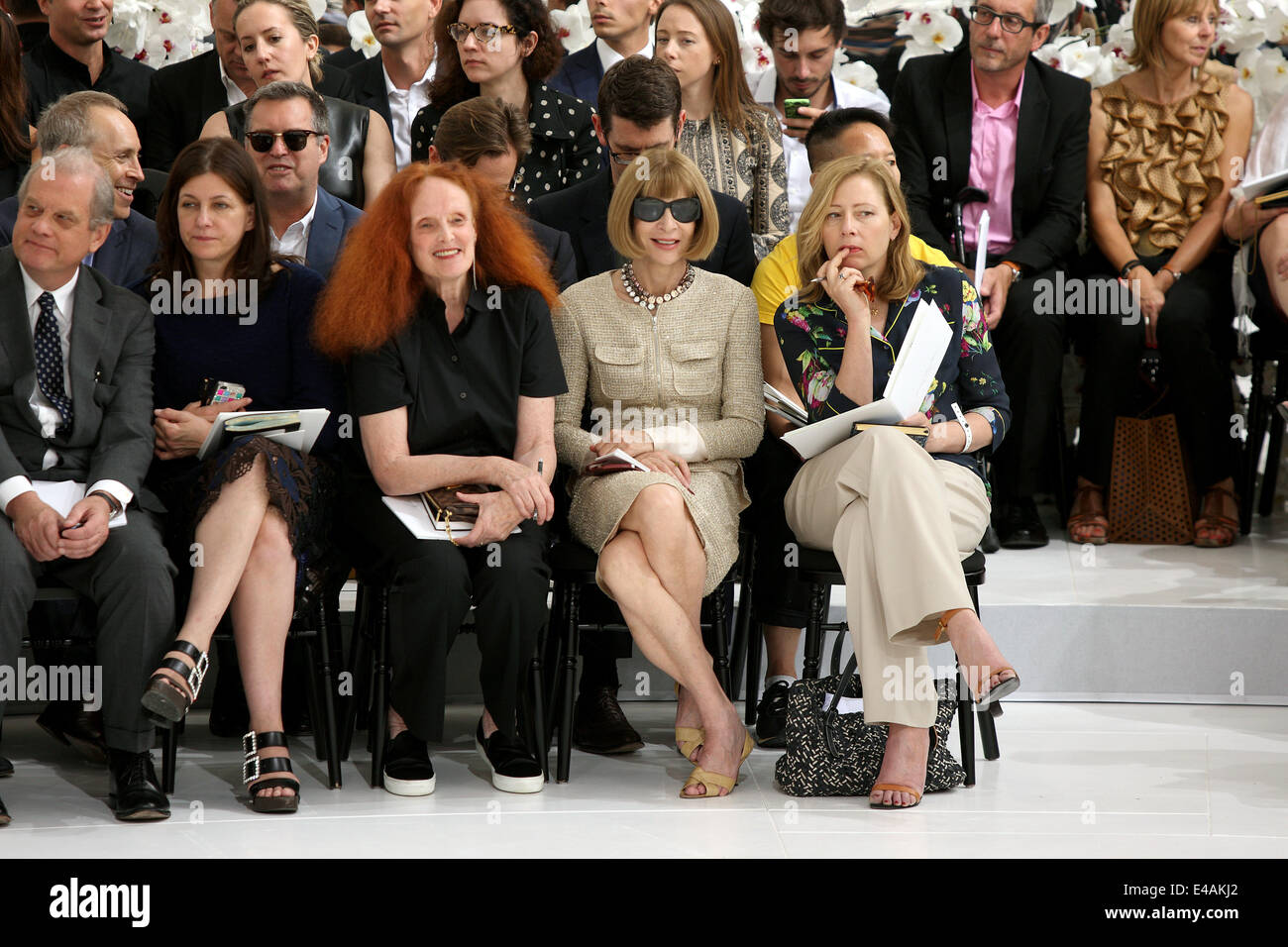 Paris, France. 07th July, 2014. British editor-in-chief of American Vogue Anna Wintour (2nd R) and Grace Coddington - Stock Image