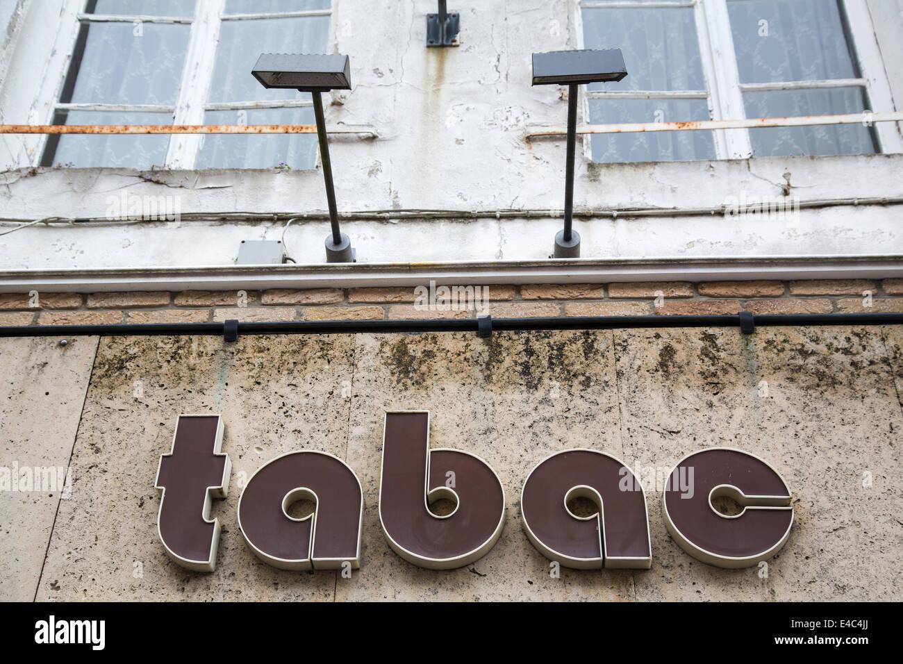 Tabac, Montreuil-sur-Mer, Pas-de-Calais, France - Stock Image