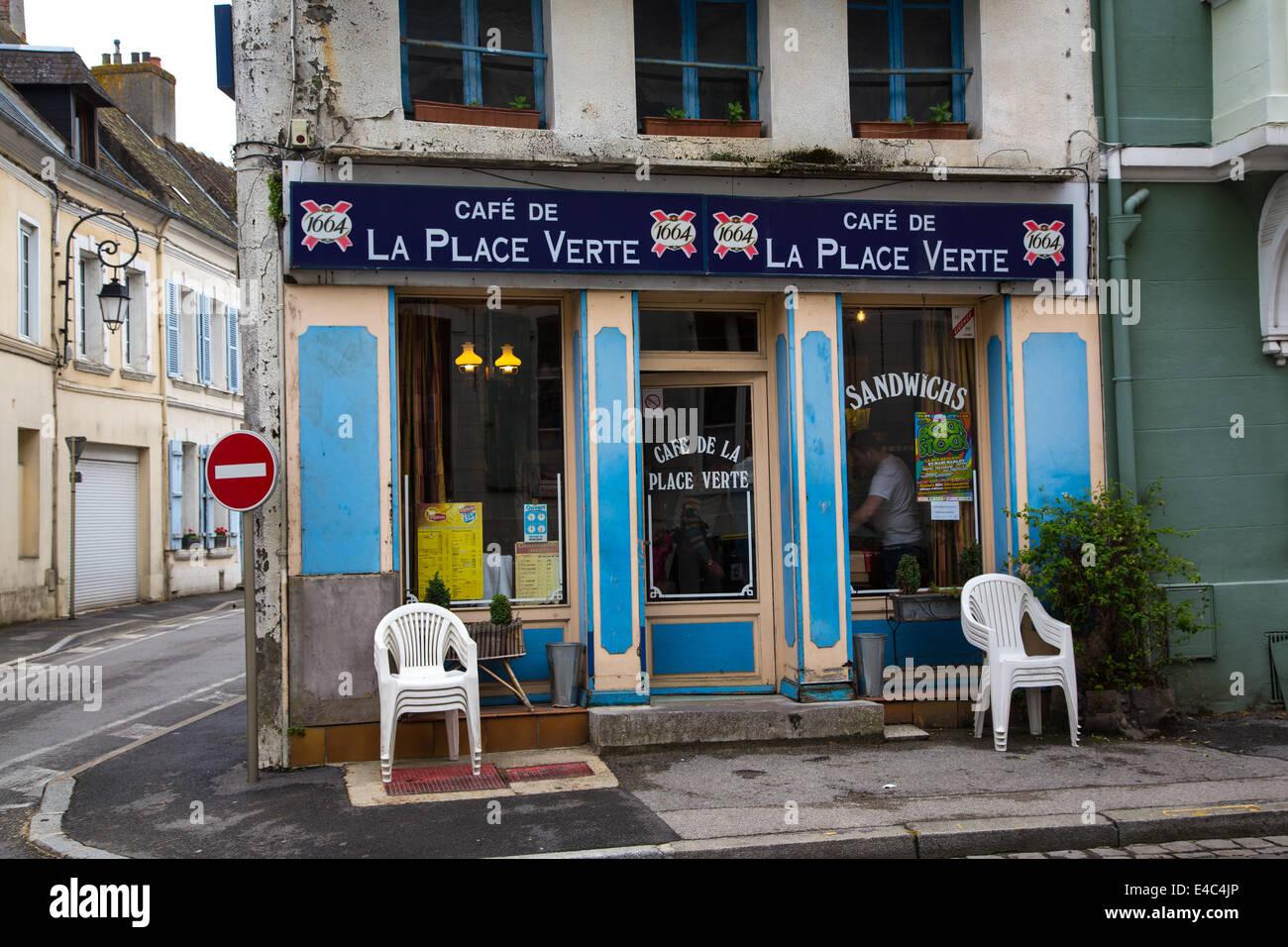 Cafe, Montreuil-sur-Mer, Pas-de-Calais, France - Stock Image