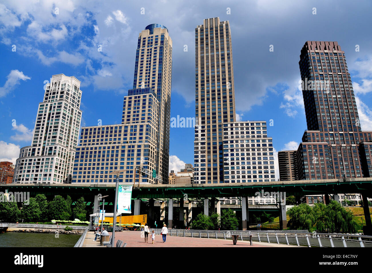 Nyc Modern High Rise Luxury Apartment Towers Many Built By Donald