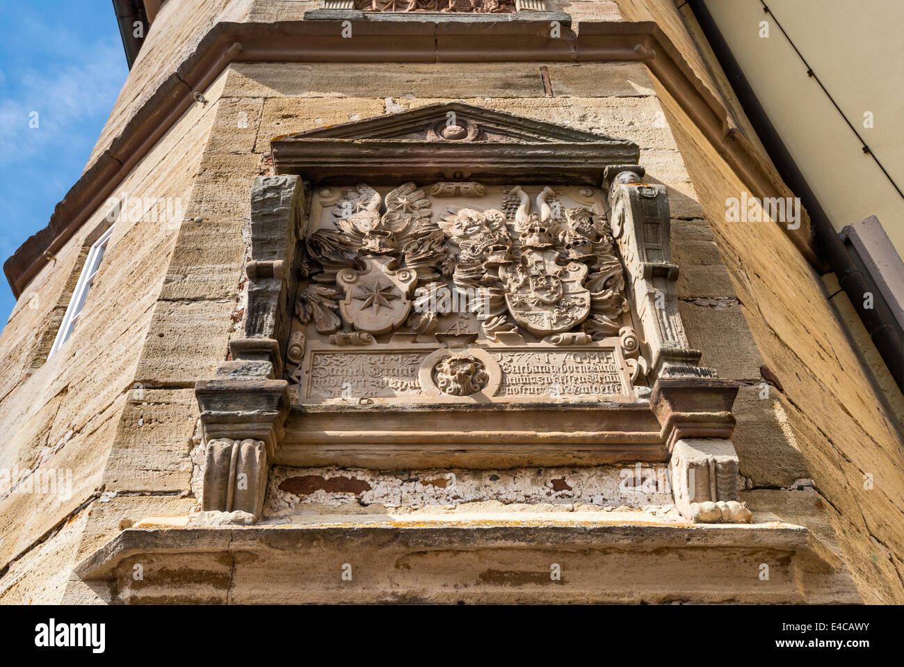 Sandstone cartouche with coat of arms, dated 1577, at Achteckiger Treppenturm, tower at Schloss Waldeck, Hessen, - Stock Image