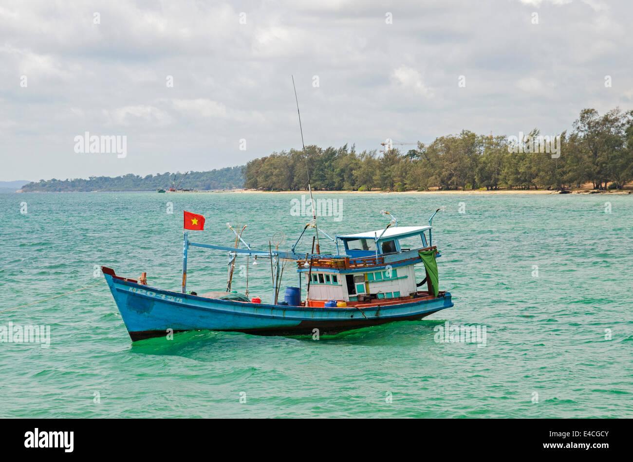 Blue fishing boat near Ong Lang Beach, Phu Quoc Island, Vietnam - Stock Image