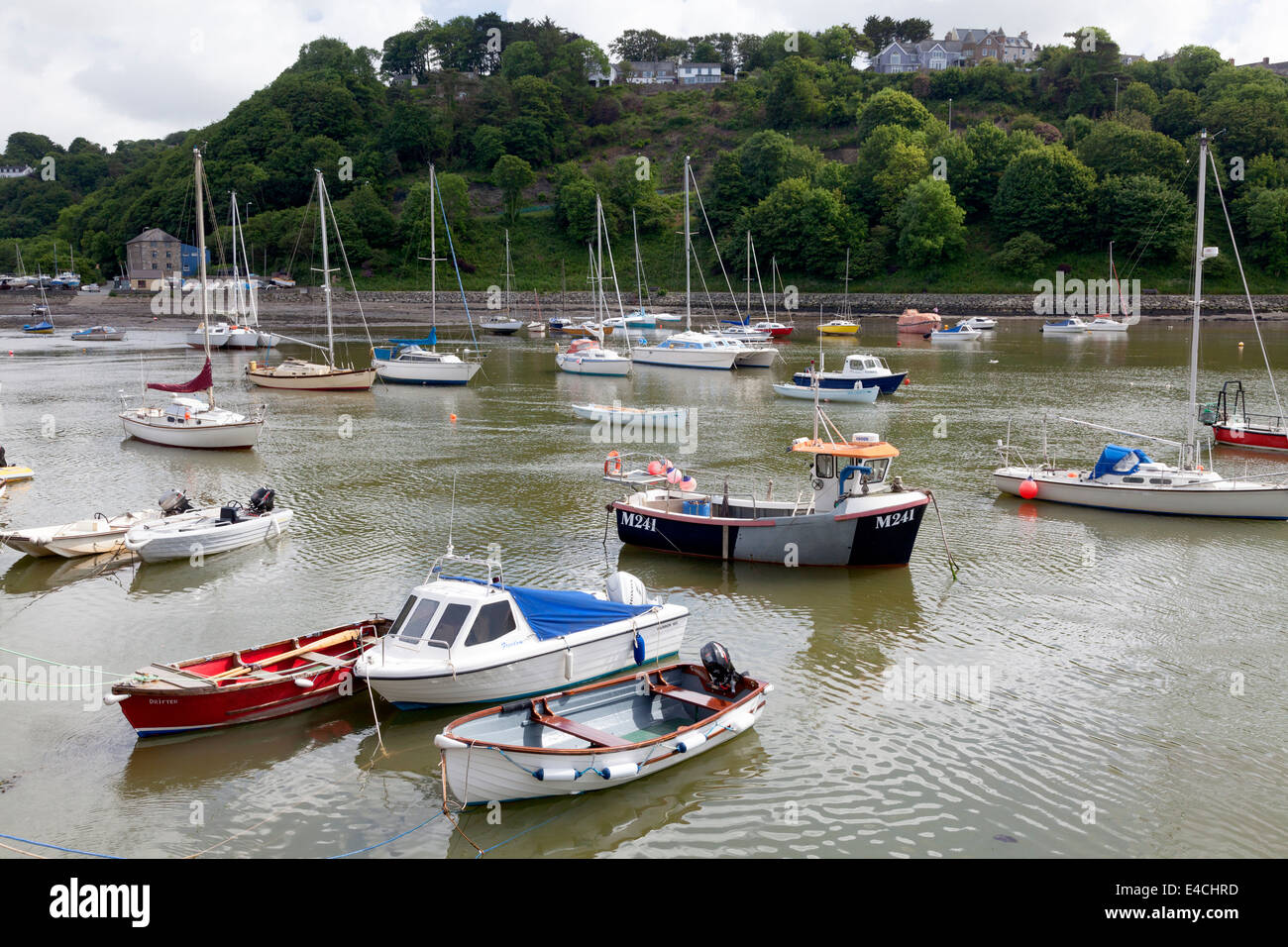 The harbour at Lower Fishguard, Pembrokeshire - Stock Image