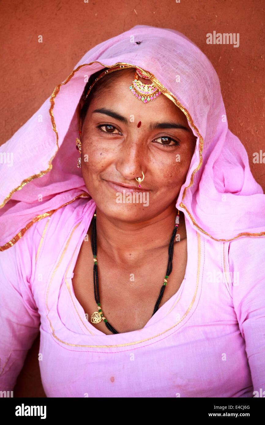 Portrait of Bishnoi tribeswoman, Jodhpur, Rajasthan, India - Stock Image