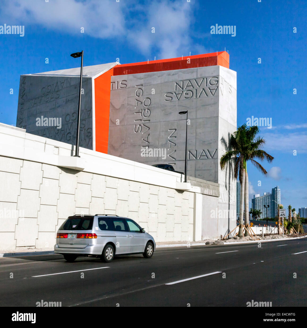 East facade of the Watson Island - MacArthur Causeway terminal for the 0.75 Port of Miami Tunnel under Biscayne Stock Photo