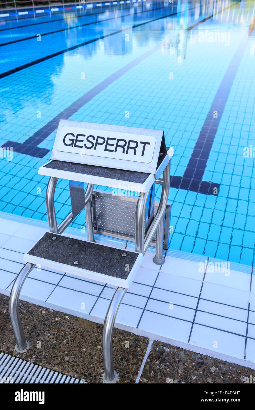 Public swimming pool, sign 'Gesperrt', German for 'Closed', Madeira, Portugal - Stock Image