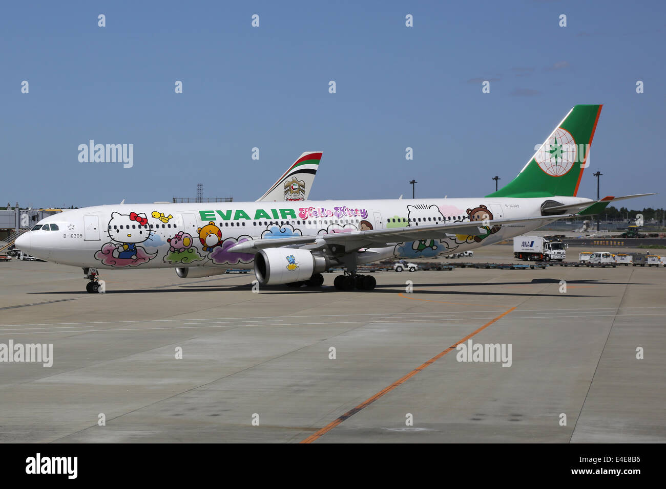 Tokyo Narita, Japan - May 17, 2014: An EVA Air Airbus A330-200 with the registration B-16309 in the Hello Kitty - Stock Image