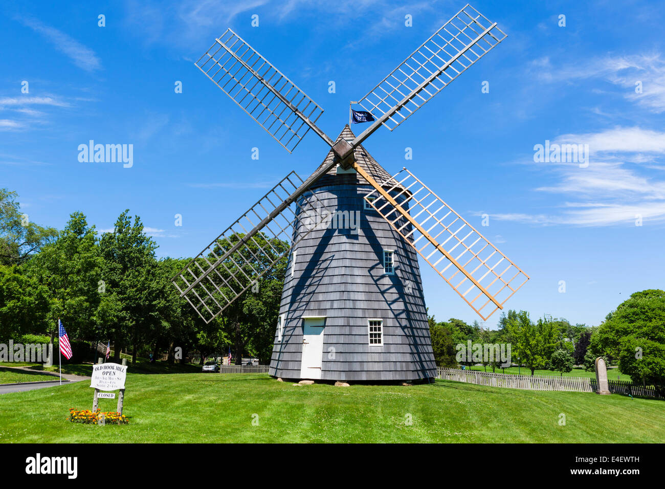 The Old Hook Windmill in the village of East Hampton, Suffolk County, Long Island , NY, USA - Stock Image