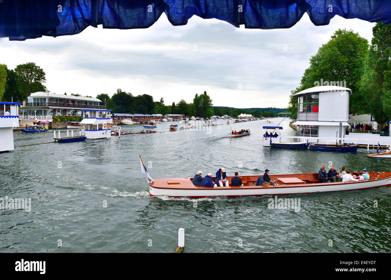 Umpires launches changing over between races at the 175th Henley Royal Regatta One to the dock the other to the - Stock Image
