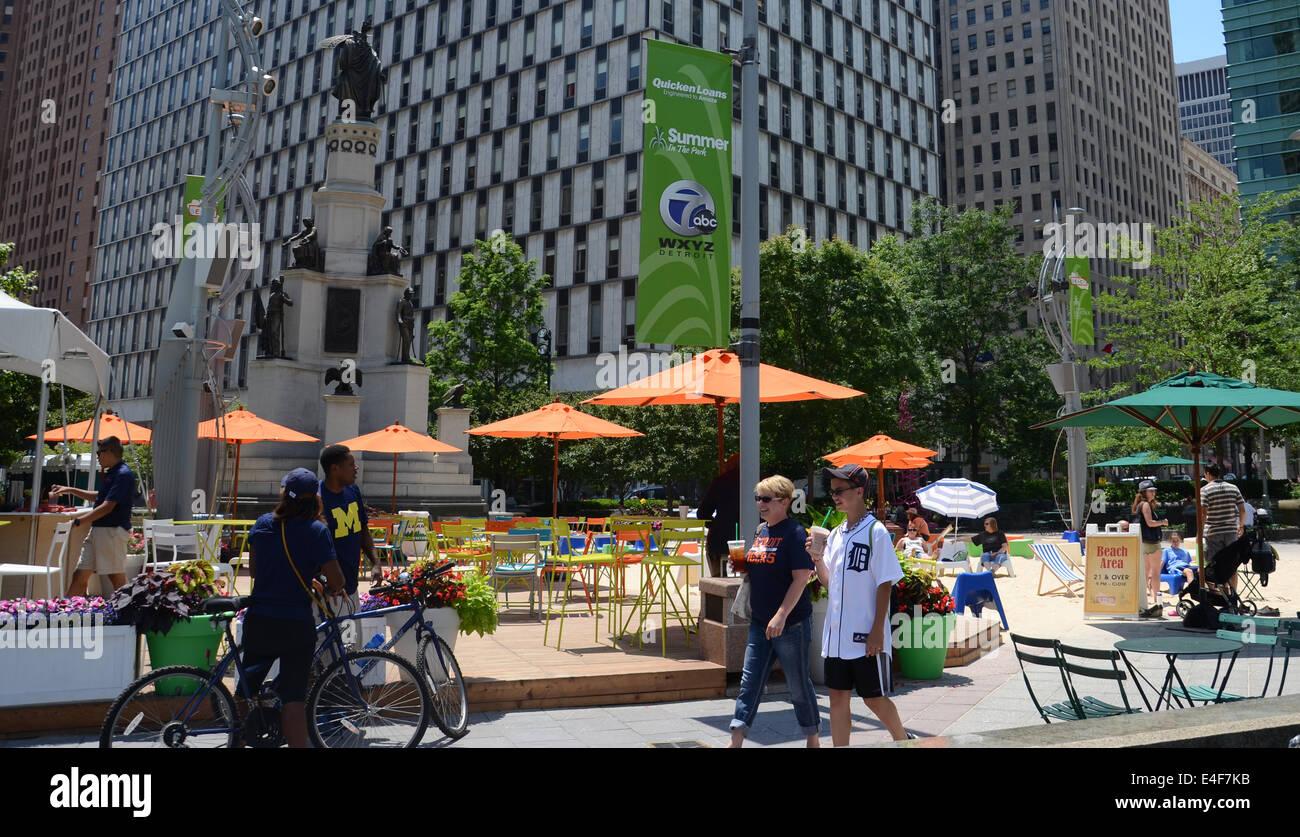 DETROIT, MI - JULY 6: People enjoying the revitalized Campus Martius park in Detroit, MI, on July 6, 2014. - Stock Image