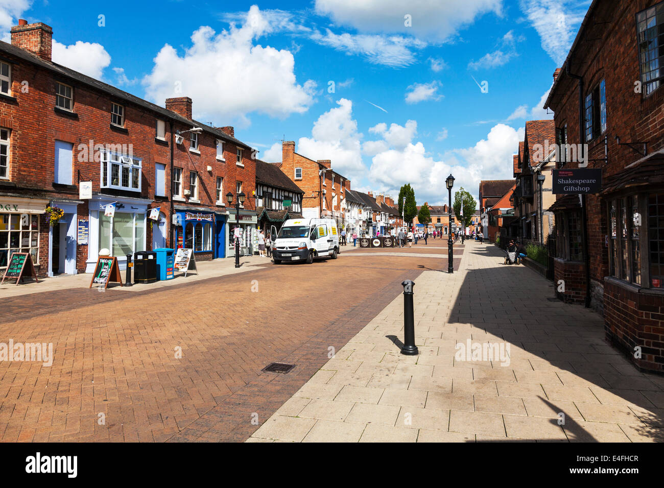 Stratford Upon Avon high Street town centre shops shoppers tourists Cotswolds UK England Stock Photo