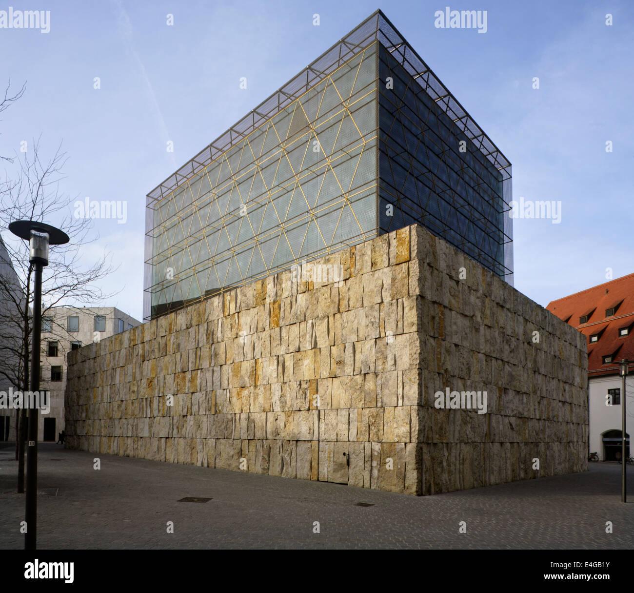 The Ohel-Jakob (Jacob's Tent) Synagogue, Sankt Jakobs Platz, Munich, Germany. Designed by Rena Wandel-Hoefer & Wolfgang Stock Photo