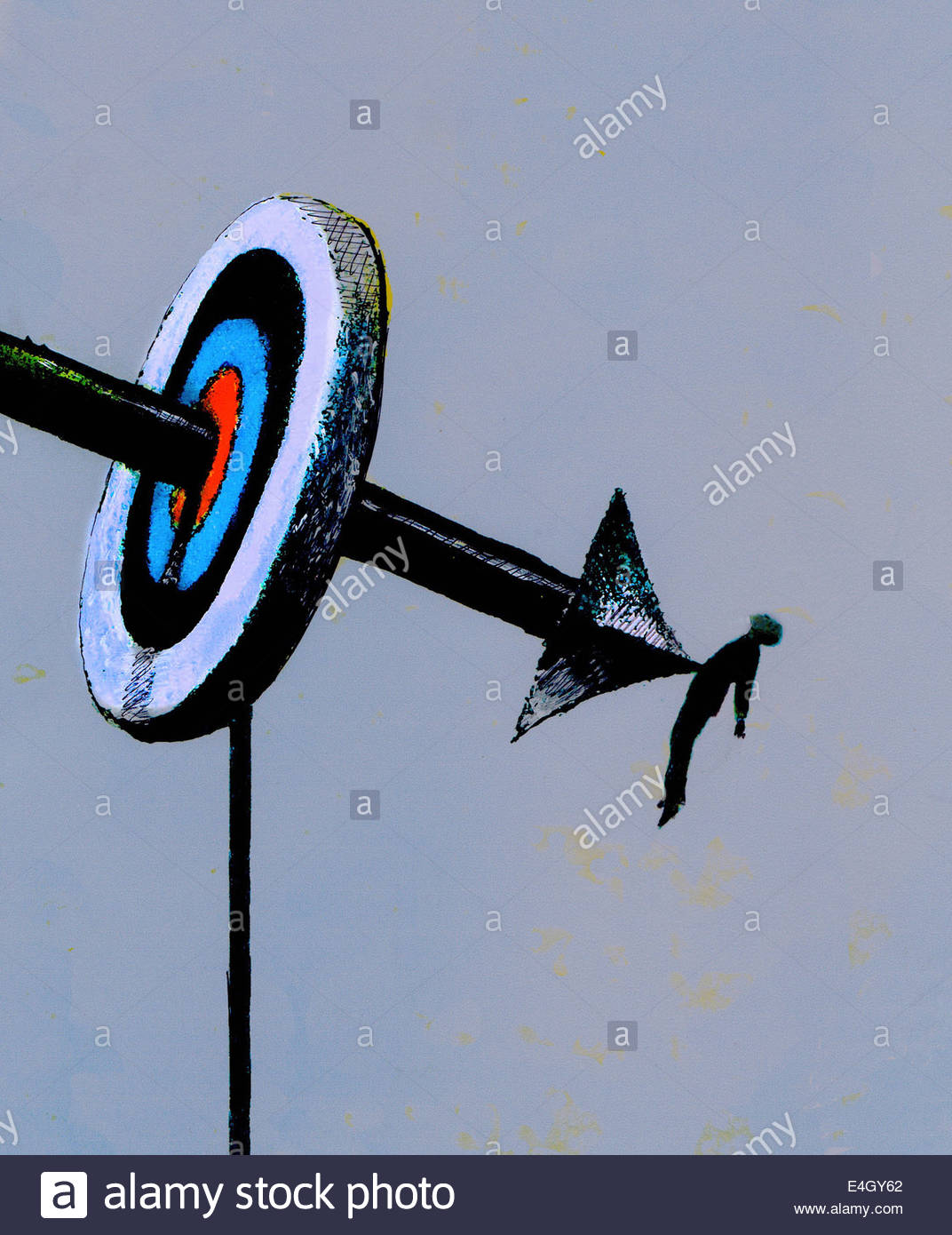Arrow piercing bull's eye and businessman - Stock Image