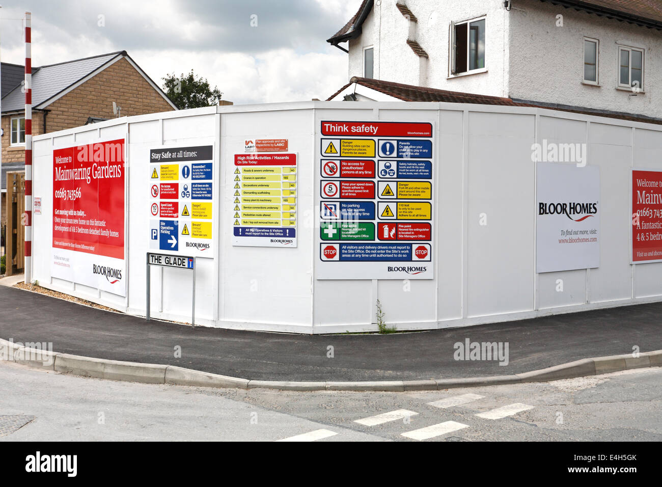 Building site safety signage on housing development in Hayfield ...