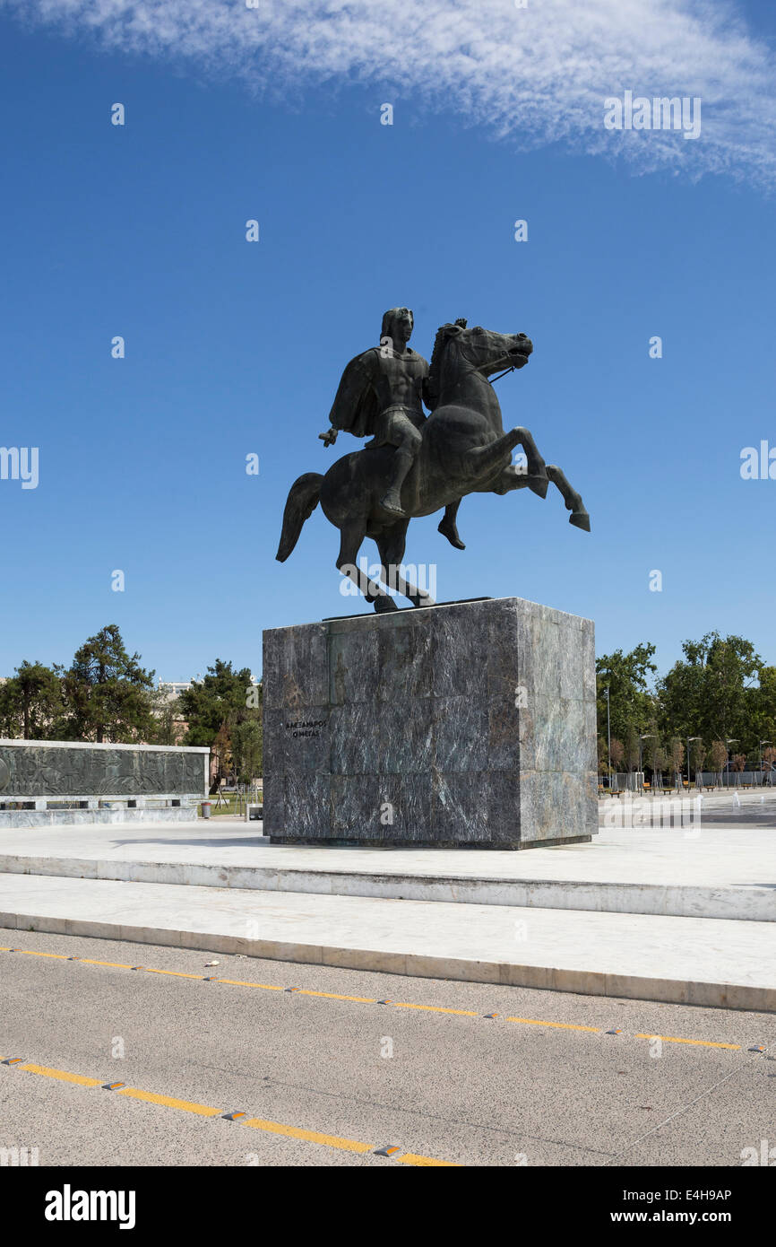 Statue of Alexander the Great and his horse Bucephalus, during a sunny morning, in the city of Thessaloniki, Greece. - Stock Image