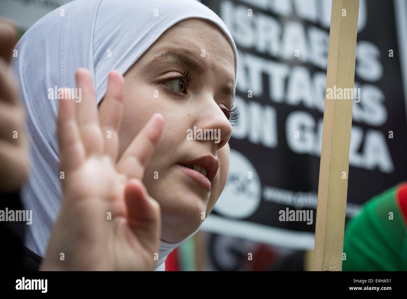 London, UK. 11th July, 2014. London: Thousands protest against Israeli air-strikes on Gaza Credit:  Guy Corbishley/Alamy - Stock Image
