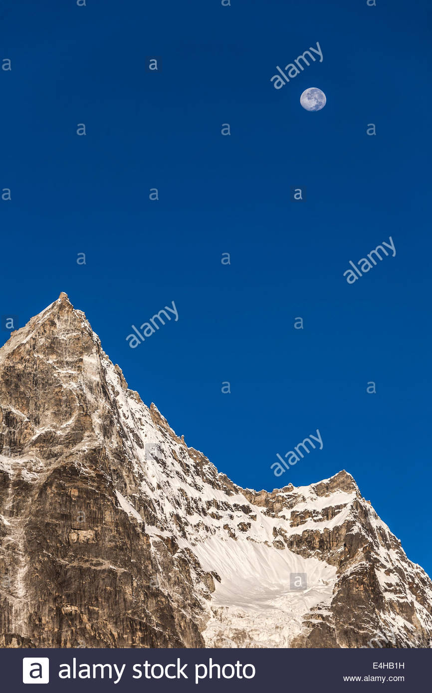 The Moon Over The Machermo Range, Machermo, Nepal, Hiamayas, Asia - Stock Image