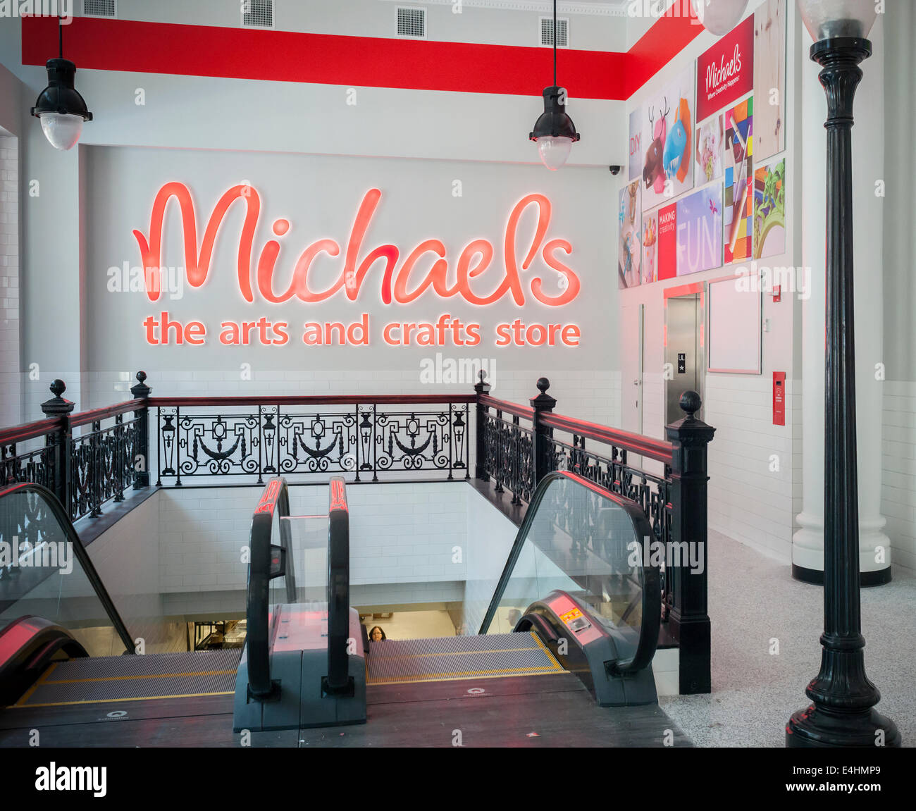 Michaels arts and crafts stock photos michaels arts and for Art and craft stores nyc