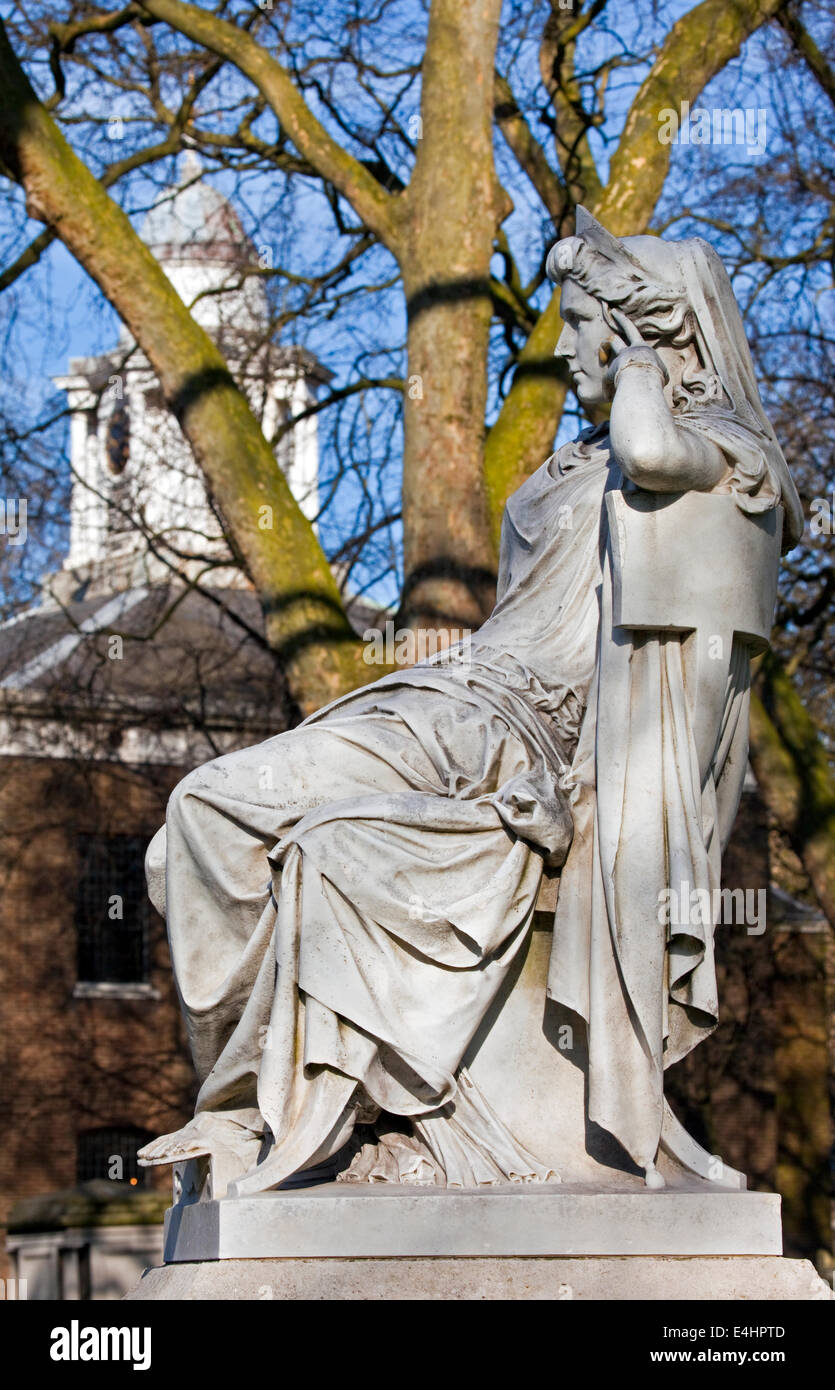 Sarah Siddons statue on Paddington Green with St.Mary's Church in the background, London. - Stock Image