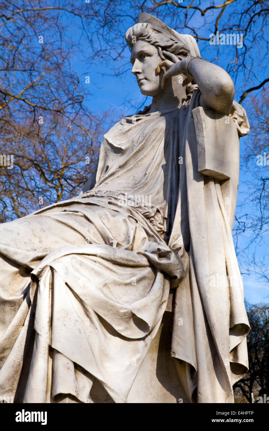 Statue of famous actress Sarah Siddons on Paddington Green in London. - Stock Image