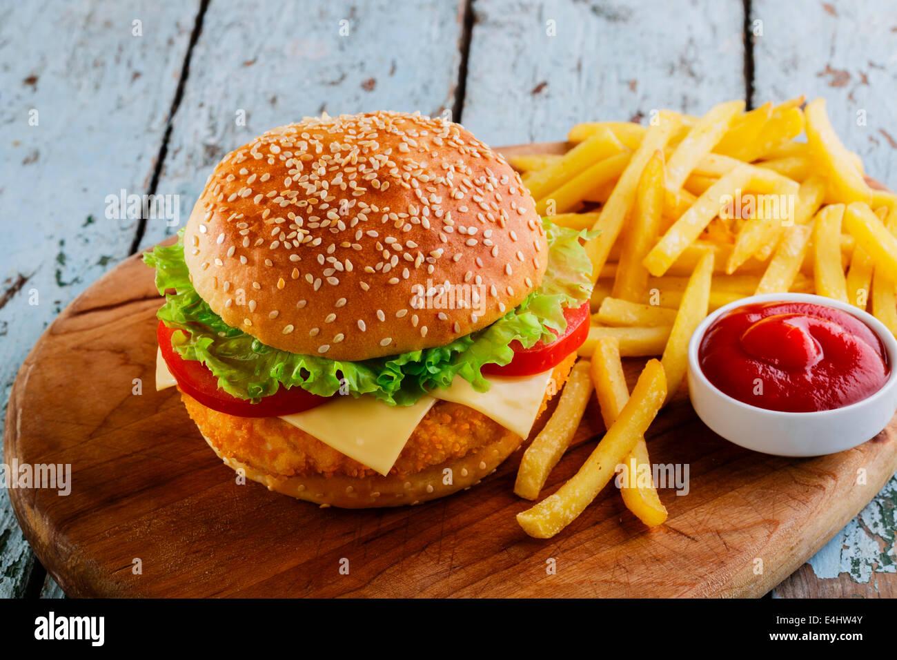 slamme eating fast food - 1024×750