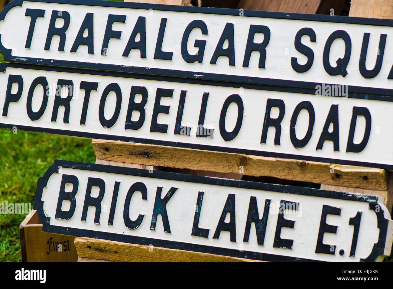 Vintage Wood London Street Sign LEEDS UNITED
