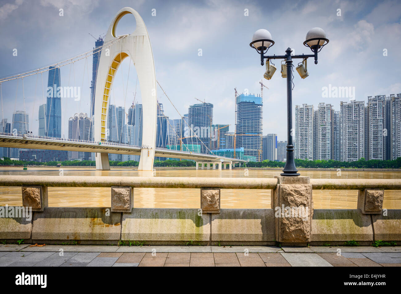Guangzhou, China cityscape on the Pearl River. - Stock Image