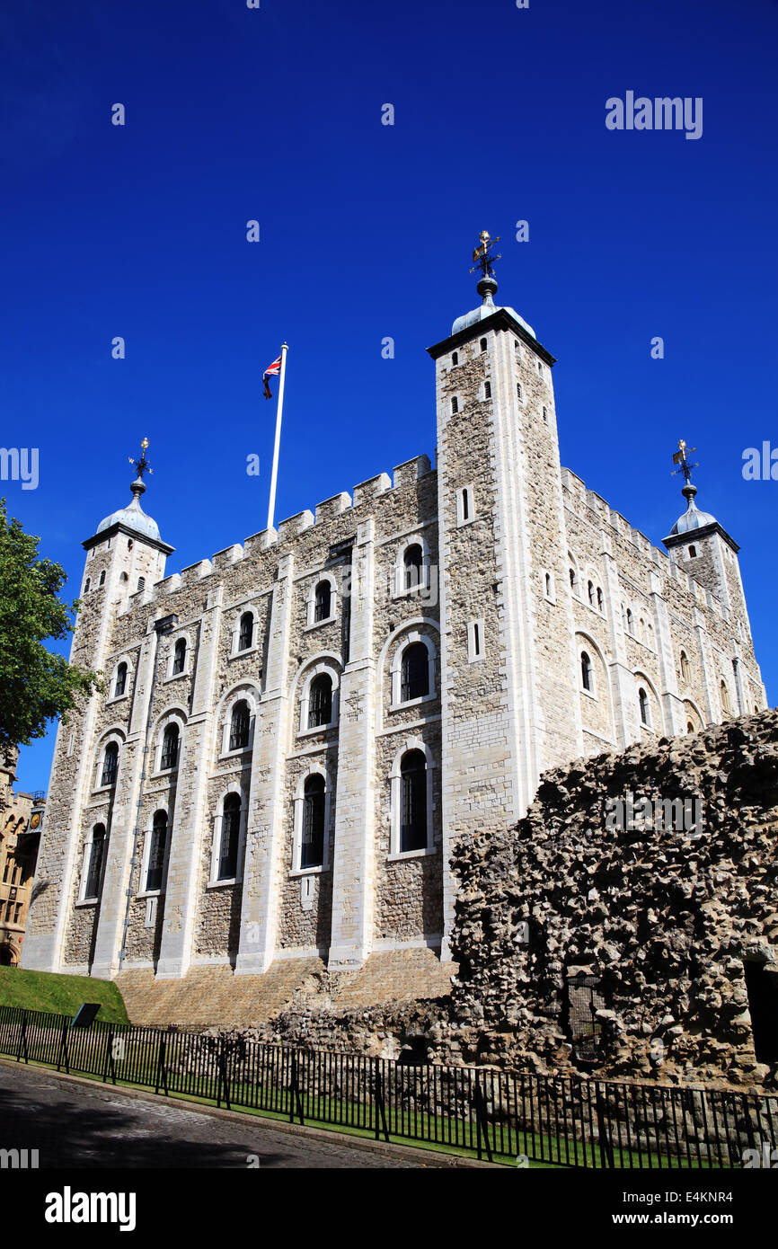 The Tower of London, England, UK, built by William The Conqueror in 1078 and is a Norman fortress and former royal - Stock Image