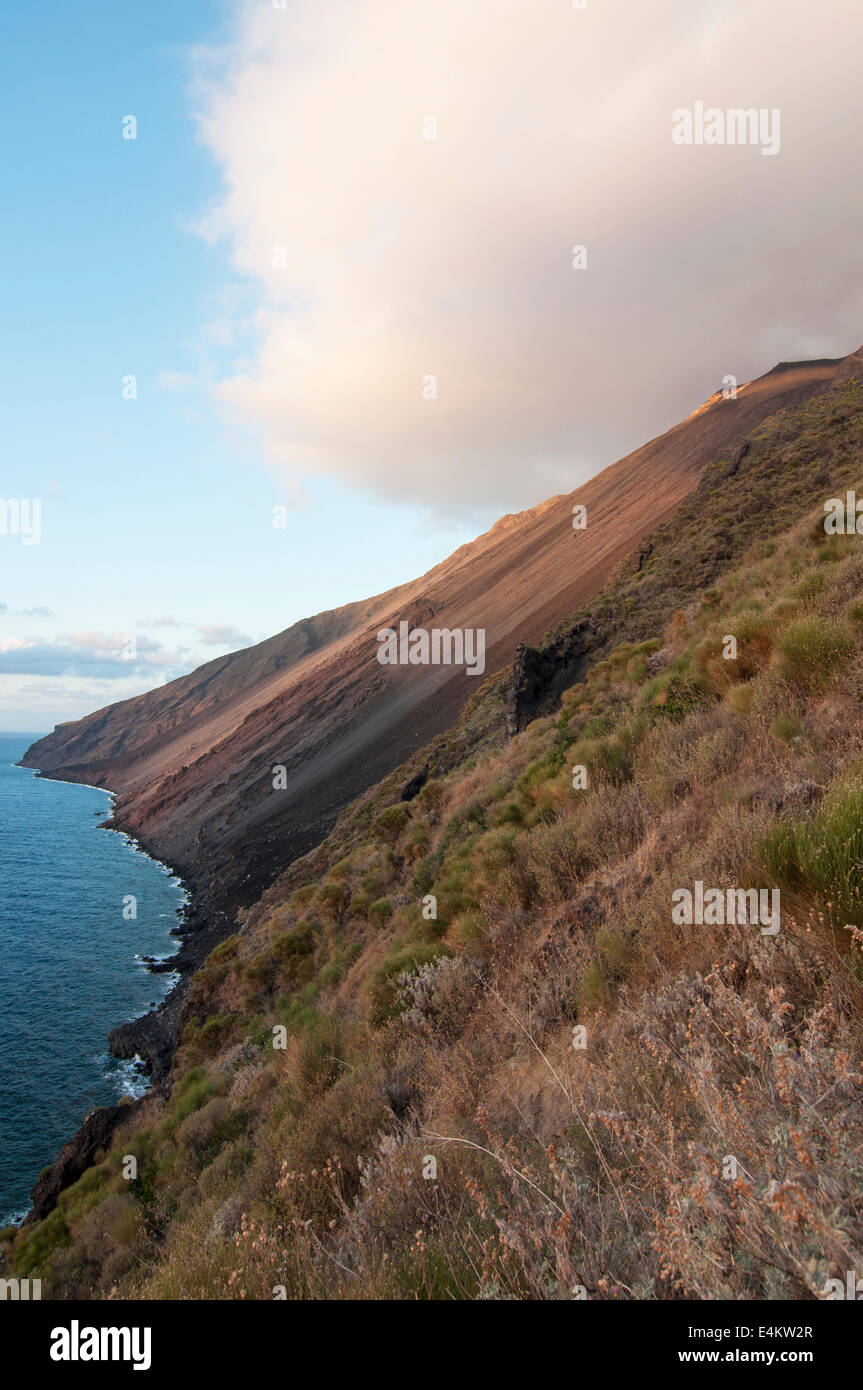Eruption of Stromboli view from Punta dei Corvi Ginostra, Aeolian Islands, Messina, Sicily, Italy, Europe - Stock Image