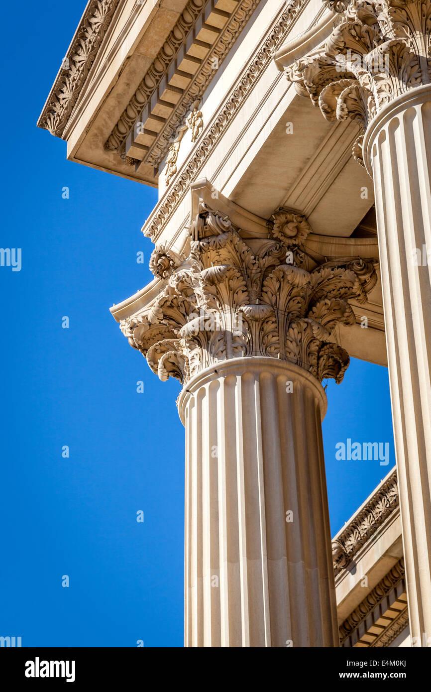 Ornate Corinthian columns in Washington D.C. - Stock Image