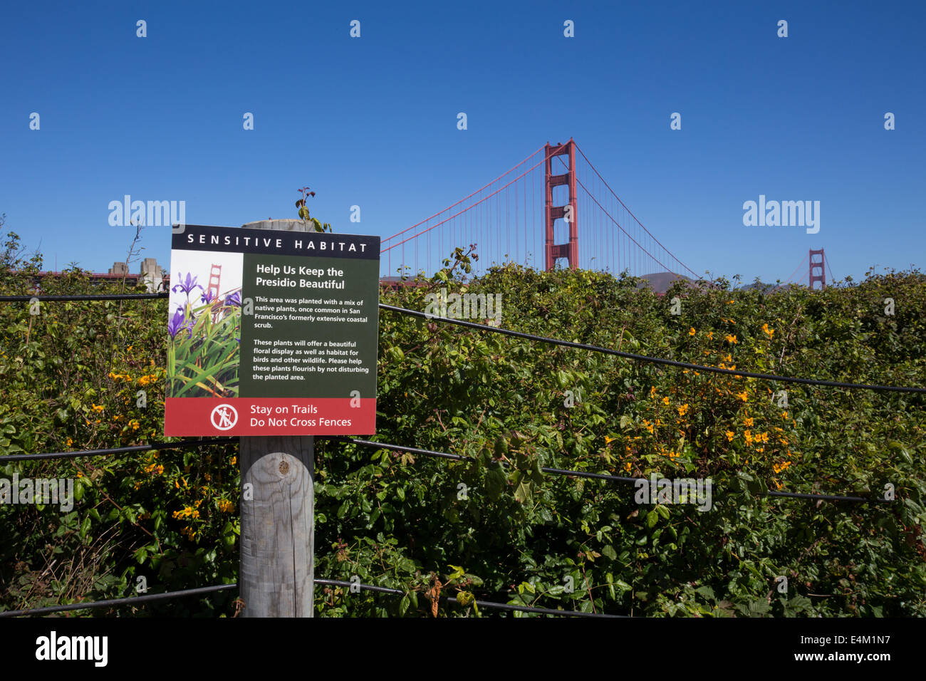 sign, sensitive habitat, hiking trail, Golden Gate National Recreation Area, city, San Francisco, California, United - Stock Image