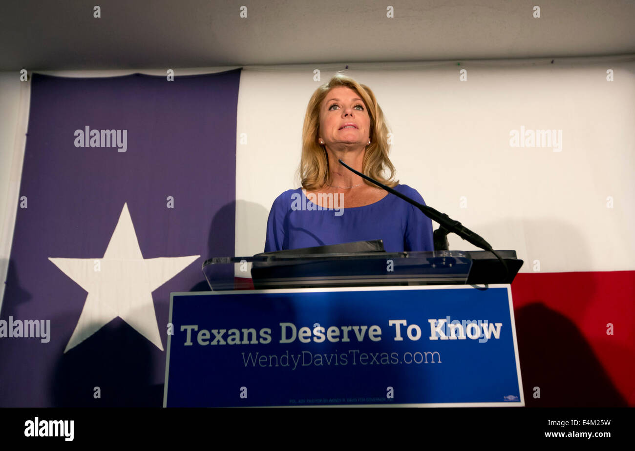 Texas Democratic Gubernatorial candidate Senator Wendy Davis speaks in Austin, Texas - Stock Image