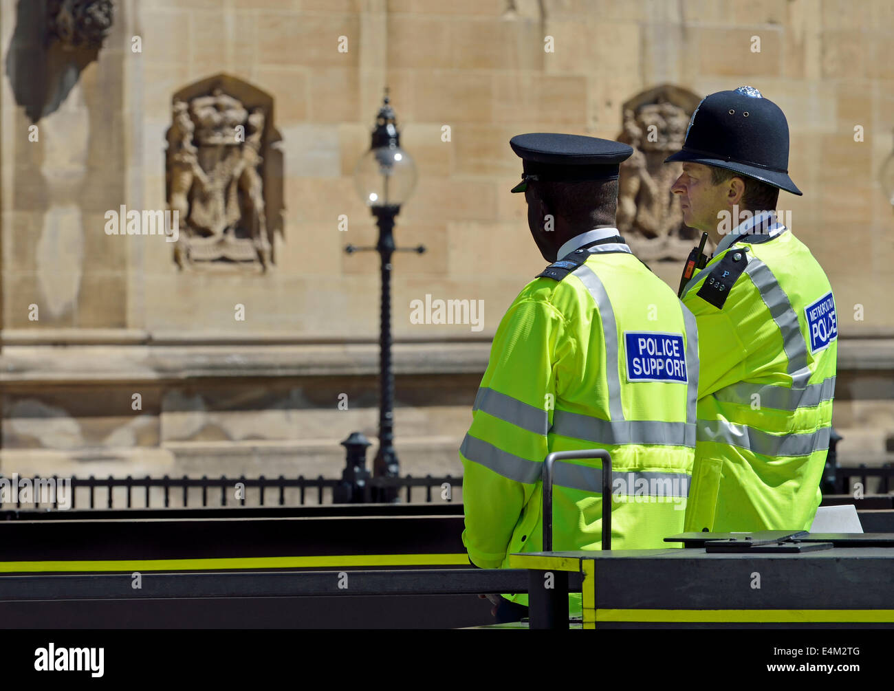 how to become a police officer in england