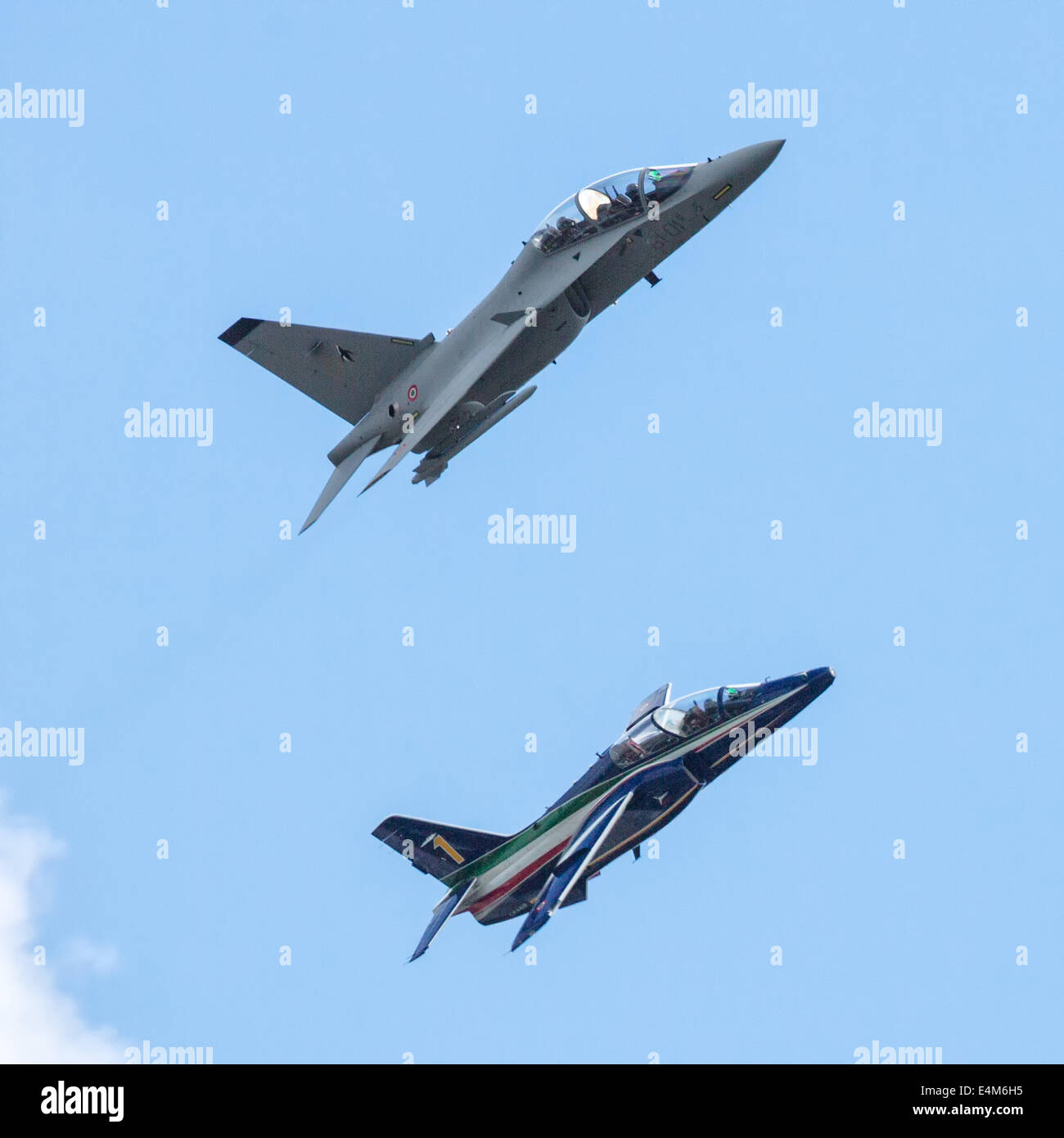 Farnborough, Hampshire, UK. 14th July, 2014. The first day of the 2014 Farnborough International Airshow saw a relatively - Stock Image