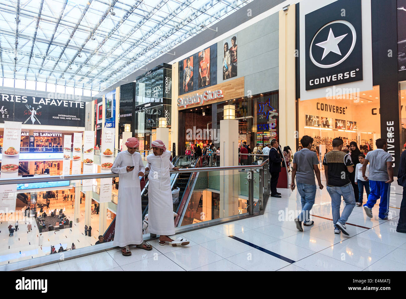 converse sale dubai mall