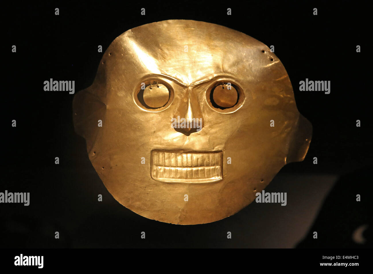 Pre Colombian gold work on display in the Museo del Oro, Gold museum, Bogota, Colombia - Stock Image