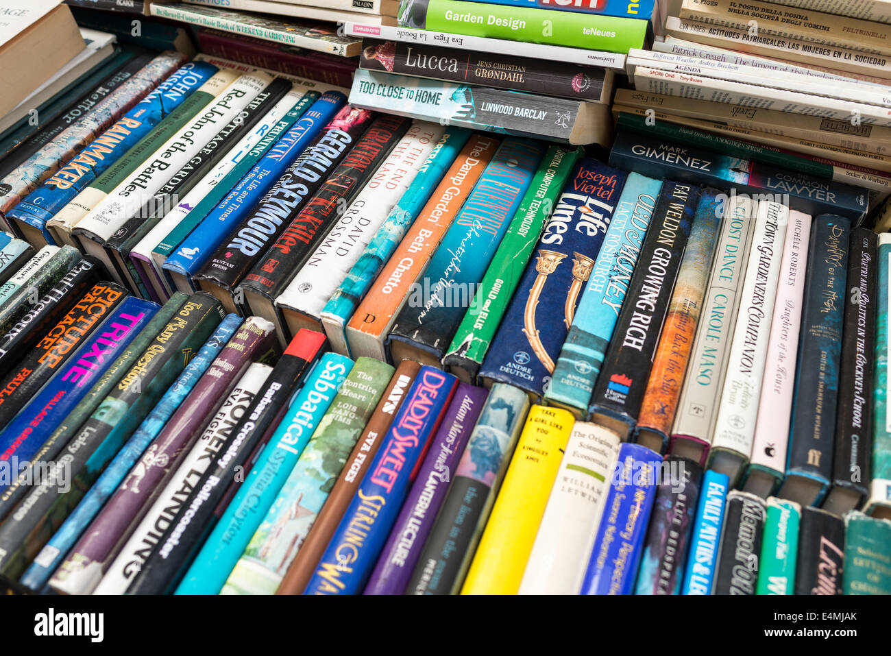 Second hand books on sale - Stock Image