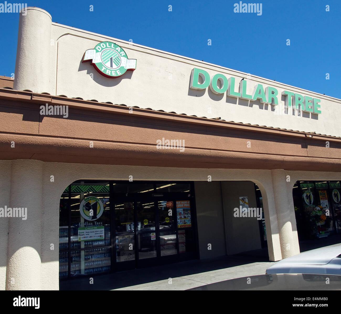 Dollar Tree Store: Dollar Tree Store Stock Photos & Dollar Tree Store Stock