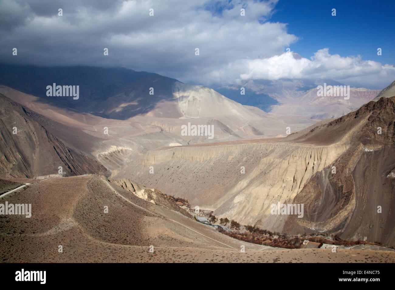 Kagbeni to Muktinath Trek, Annapurna Circuit, Himalayas, Nepal - Stock Image