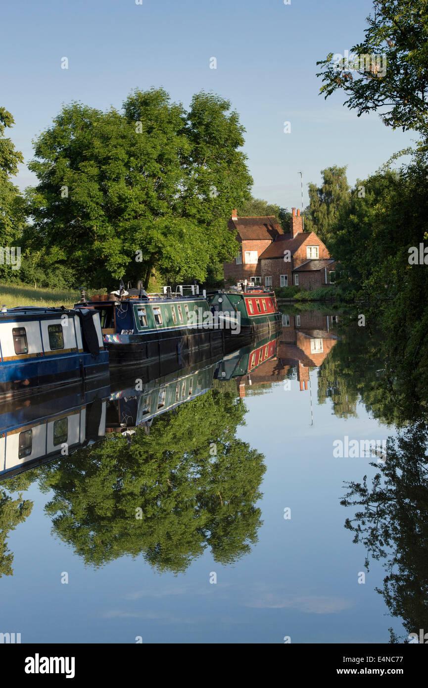 Narrowboats at Braunston on the Grand Union canal.  Braunston, Northamptonshire, England - Stock Image