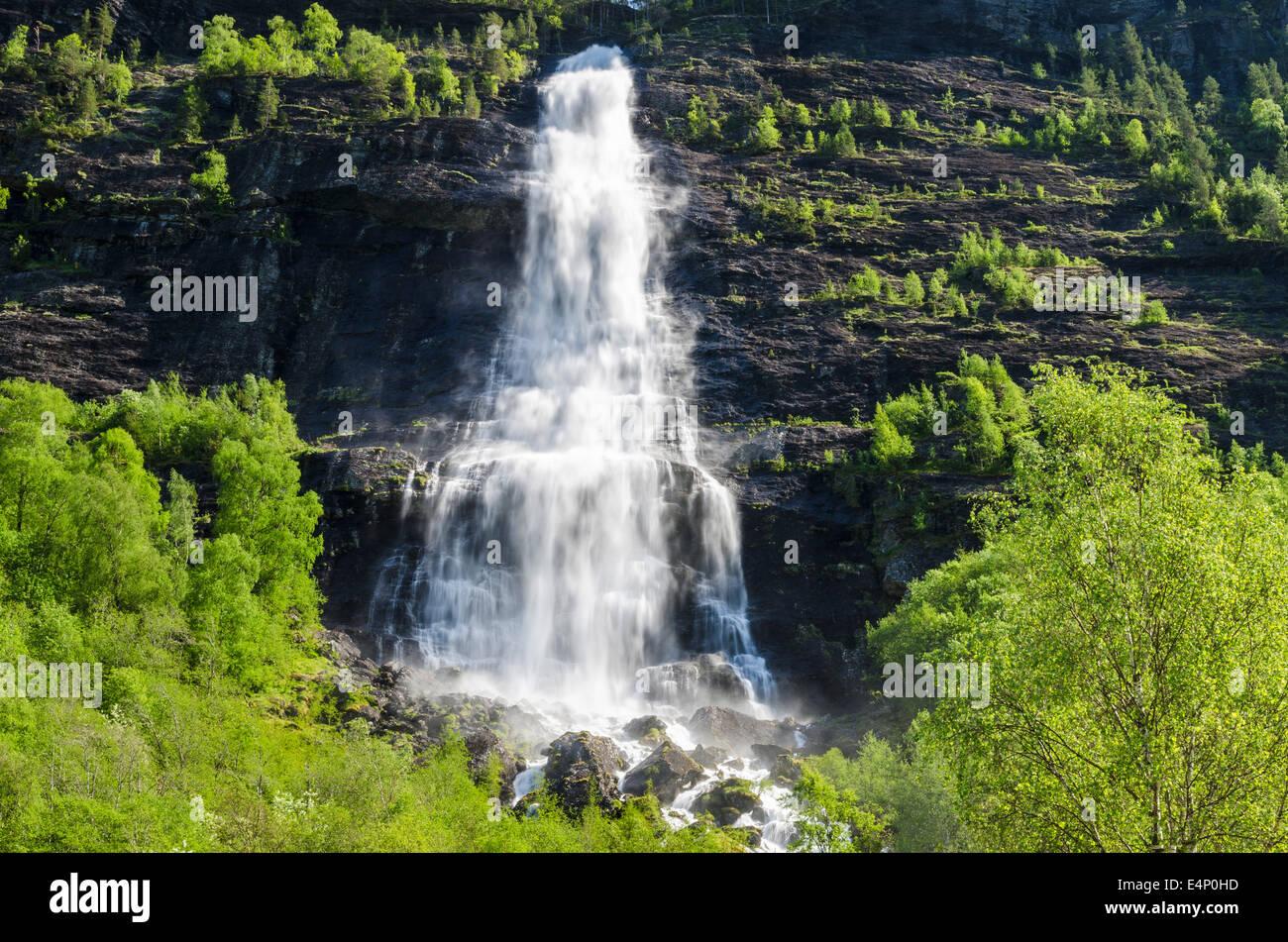 Wasserfall, Fortundalen (Fortunsdalen), Luster, Sogn og Fjordane Fylke, Norwegen, - Stock Image