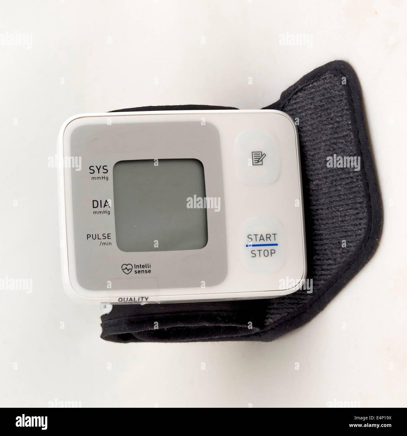 Wrist blood pressure monitor - Stock Image