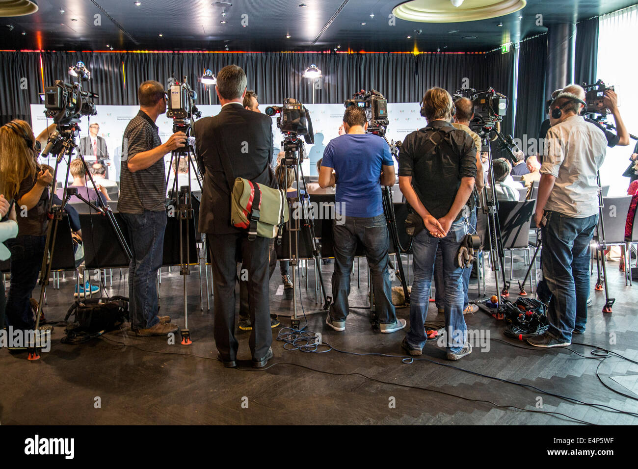 Media, camera, TV cameras on tripods, at a press conference, - Stock Image