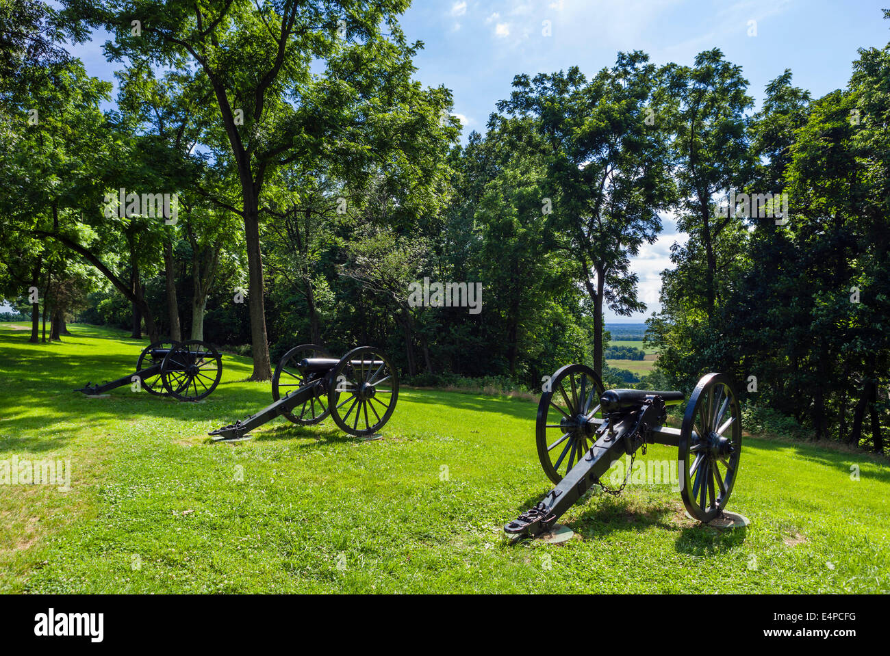 Guns on the battlefield at Bolivar Heights, Harpers Ferry National Historic Park, West Virginia,  USA - Stock Image