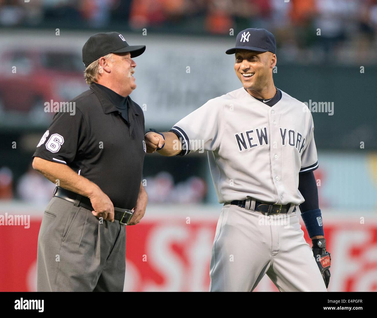 New York Yankees Shortstop Derek Jeter 2 Shares A Light Moment With Third Base