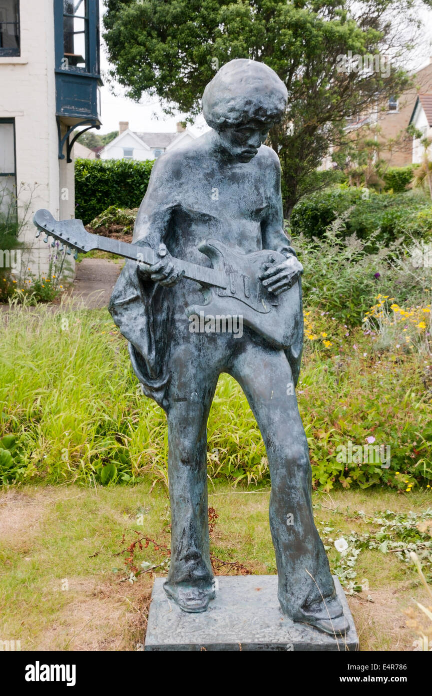 Statue of Jimi Hendrix by John Swindells at Dimbola Lodge close to site of 1970 Isle of Wight Festival on Afton Stock Photo