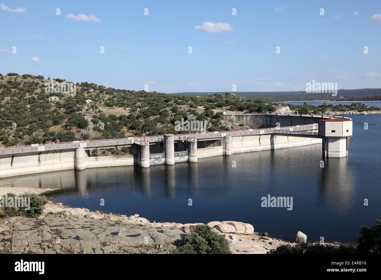 Dam at river Adaja near Avila, province Castilla y Leon, Spain - Stock Image
