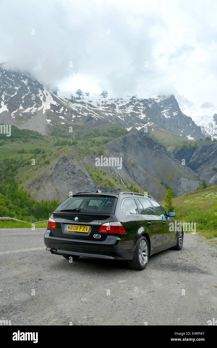 British family estate car parked in the French Alps - 2008 BMW 5 ...