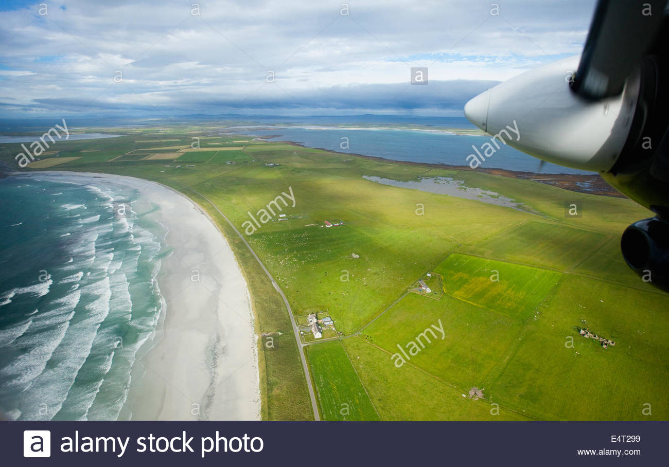 The view from the aeroplane whilst flying from North Ronaldsay to Kirkwall, Mainland, Orkney, Scotland. - Stock Image