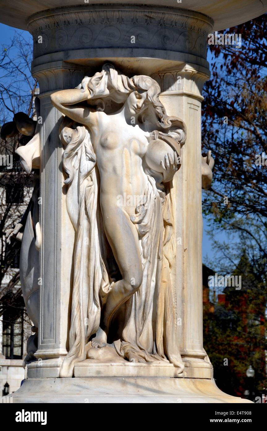 Washington, DC: Allegorical figures decorating Daniel Chester Stock ...